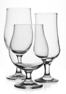sklenice na pivo na stopce